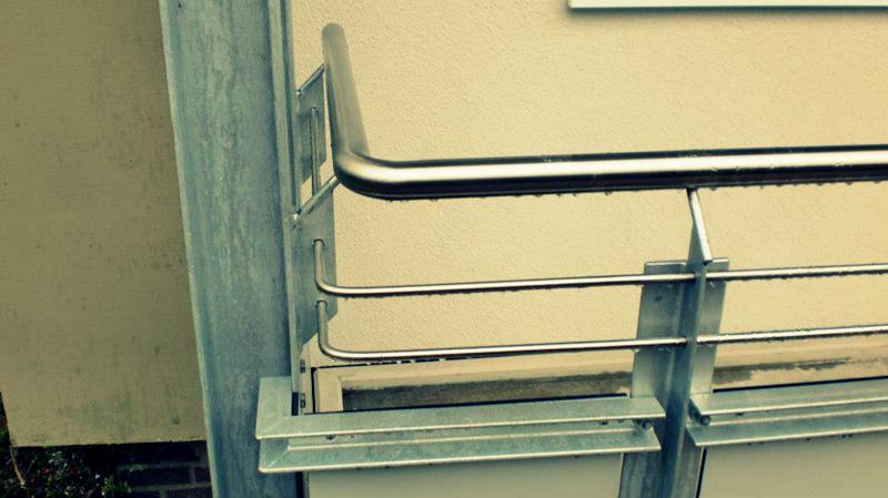 balkongel nder edelstahl balkonbau metallbau balkone edelstal widdascheck. Black Bedroom Furniture Sets. Home Design Ideas