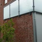 Sichtschutzwand mit Edelstahlhandlauf